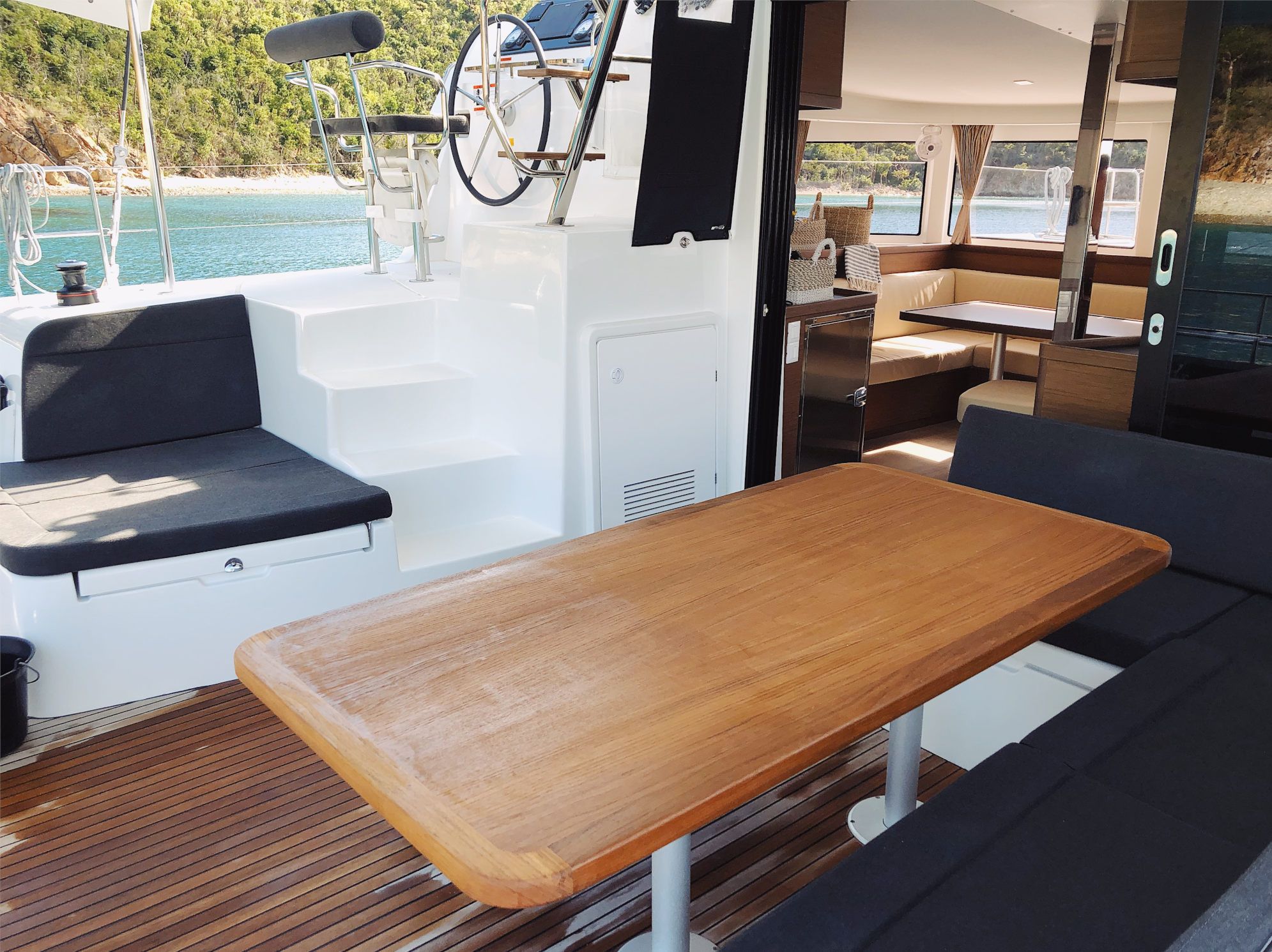 luxurious Luxurious sleeps 10 8 atleast comfortable 42' Lagoon lagoon 42 catamaran Catamaran Tortola TMM tmm